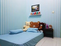 Pin by easy wood projects on produk indonesia in 2018 . Dec This Pin was discovered by easy wood projects. Simple Bedroom Decor, Room Decor Bedroom, Modern Bedroom, Girls Bedroom, Diy Room Decor, Home Decor, Bedroom Ideas, Mattress On Floor, Luxury Decor