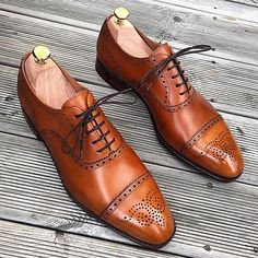 Our light brown semi brogue on last 915 with single leather sole, available for shipping world wide. #skolyx #mensshoes #menswear #classicshoes #shoes #shoestagram #shoeporn #mensfashion #shoecare...