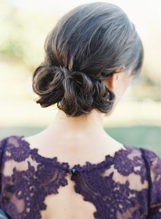 cute wedding updo (gorgeous dress by Alice & Olivia)