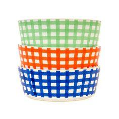 Waggo Stylish Gingham Dog Bowls.
