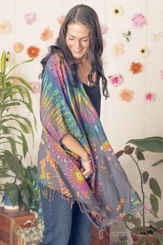 Flow through your days feeling comfortable and looking effortessly hippie chic in this mudmee tie dye sarong cardigan! Over 50 Womens Fashion, Fashion Over 50, Boho Fashion, Fall Hippie Fashion, Gothic Fashion, Winter Hippie, Female Fashion, Steampunk Fashion, Gypsy Style