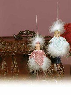 Pineapple Tassel Dolls free crochet pattern of the day from freepatterns.com 7/28/13