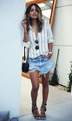 Summer Chic With Fashionista Sincerely Jules Look Short Jeans, Look Con Short, Short Outfits, Summer Outfits, Casual Outfits, Denim Shorts Outfit, Jean Shorts, Stripe Shorts, Denim Outfits