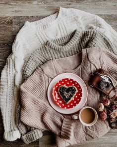 Cozy at home, cuddles and PB'n jelly(homemade). Just for the sake of Valentines, heart shaped toast, heart shaped everything ❤️ I hope… Cuddles, Hygge, Heart Shapes, Jelly, Toast, Cozy, Valentines, Content, Homemade