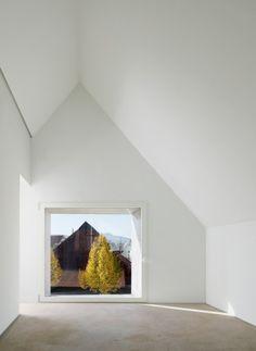 Die frei auf der Fassade verteilten Fenster rahmen gezielte Ausblicke | (se)arch - Freie Architekten ©Zooey Braun, Stuttgart