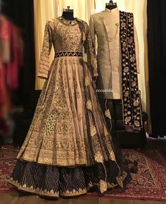 Looking for a budget lehenga store in Delhi? Check out the collection by Ricco India. Lehenga prices start from INR and they even do banarasi lehengas. Designer Bridal Lehenga, Bridal Lehenga Choli, Indian Bridal Outfits, Indian Designer Outfits, Designer Dresses, Designer Wear, Couple Wedding Dress, Desi Wedding Dresses, Indian Lehenga