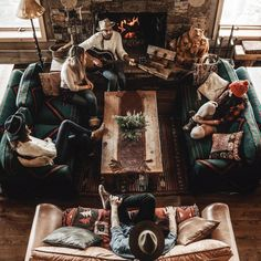 What's the difference between Hygge and Minimalism? - My Minimalist Living Cozy Cabin, Cozy House, Winter Cabin, Cozy Winter, For Emma Forever Ago, Christmas Living Rooms, Cabin Homes, Coups, My Dream Home