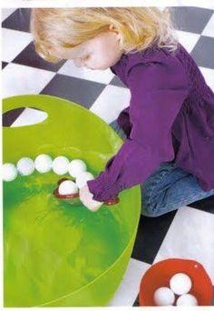 Do this im thw backyard when it gets warm. Montessori Toddler, Montessori Activities, Toddler Play, Motor Activities, Infant Activities, Activities For Kids, Montessori Practical Life, Gross Motor Skills, Baby Learning