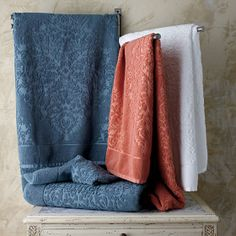 Legends Luxembourg Egyptian Cotton Towels - Luxury towels feature carved damask medallions, lending exotic beauty and rich textural dimension. Bath Towel Sets, Bath Towels, Egyptian Cotton Towels, Luxury Towels, H&m Home, Bath Linens, Bathroom Inspiration, Bathroom Ideas, Bath Accessories