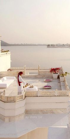 Emmy DE * The Lake Palace in Udaipur, India