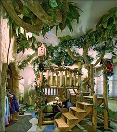 tropical+jungle+themed+bedroom-kids+theme+bed+tarzan+style.jpg (604×682)