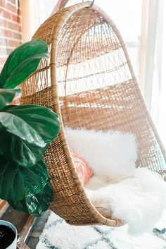 how to properly hang a hanging rattan chair dreamgreendiycom ehow photo by photopesce