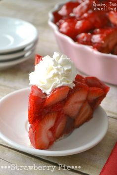 Strawberry pie with fresh strawberries mounded high in a rich, buttery crust. The perfect summer dessert recipe, and seriously the best strawberry pie recipe! Best Strawberry Pie Recipe, Fresh Strawberry Pie, Strawberry Desserts, Strawberry Jello, Strawberry Filling, Peach Jello, Lemon Jello, Summer Dessert Recipes, Just Desserts