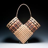 BKT4  Weaver's notes: This open heart basket is also known as a Chitimacha or elbow basket, originally made to dry herbs. It imakes a wonderful wall hanging or art piece.