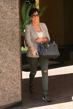 Kris Jenner - Kris Jenner Takes a Walk in Beverly Hills