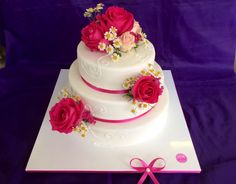 #Romantik in der zartesten Versuchung. #Rosen #Torte zur #Hochzeit oder zum #Geburtstag für die Liebste. www.cafe-konditorei-held.de/konditorei/