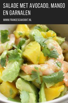 Salad with avocado, mango and shrimps - Francesca Cooks Mango Salat, Avocado Salat, Salad Recipes, Diet Recipes, Cooking Recipes, Salad Wraps, Good Food, Yummy Food, Easy Eat