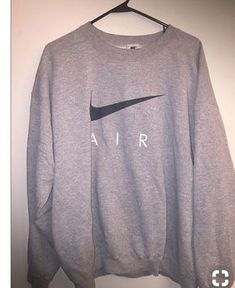 Yoga Clothes : Vintage Nike Air USA White Tag Crewneck Sweatshirt – Size Large by JourneymanVintage on Etsy Nike Outfits, Winter Outfits, Summer Outfits, Casual Outfits, Fitness Outfits, Teen Fashion, Runway Fashion, Fashion Outfits, Womens Fashion