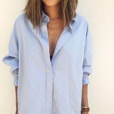 Zijn blouse is vanaf nu ook mijn blouse. Dat betekent plus een voor mijn garderobe, en min één voor hem. Want heeft BF een fijne witte (of zwarte) blouse hangen, dan is hij 'm zeker kwijt: : &#8220…