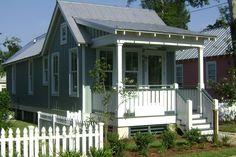 Cottage Style House Plan - 2 Beds 1.00 Baths 672 Sq/Ft Plan #536-4 Exterior - Front Elevation - Houseplans.com