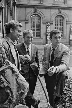 """Alain Delon avec Bruno Crémer et Pierre Vaneck sur le tournage du film"""" Paris Brûle-t-il - 1966 © Photo sous Copyright"""