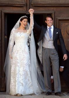 Royal Wedding: Prince Felix and Princess Claire of Luxembourg marry in religious wedding ceremony in Provence, France Famous Wedding Dresses, Royal Wedding Gowns, Royal Weddings, Bridal Dresses, Chic Wedding, Wedding Styles, Wedding Ceremony, Wedding Cake, Religious Wedding