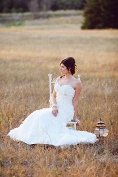 Shabby-Chic-Vintage-Bridal-Shoot-by-Christina-Carroll-1