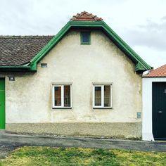 #pannonien #tinyhouse #fassade #smallhouse #burgenland #streckhof by kajottbe Tiny Houses, House Styles, Instagram Posts, Home Decor, Small Homes, Decoration Home, Room Decor, Tiny House, Small Houses