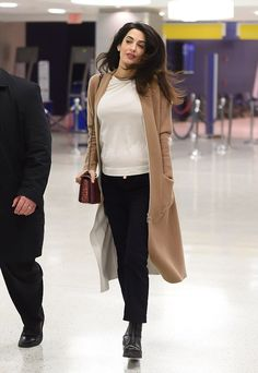 Pregnant Amal Clooney looks radiant in chic camel coat at JFK Airport Amal Clooney, George Clooney, Winter Typ, The New Classic, Black Jeans Outfit, Work Fashion, Her Style, Everyday Fashion, Autumn Winter Fashion