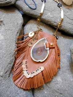 Leather Jewelry, Leather Bags, Hippie Bags, Medicine Bag, Pretty Necklaces, Tribal Fashion, Hippie Chic, Seed Beads, Tassel Necklace