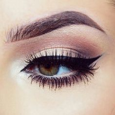 Perfect winged liner and thick lashes