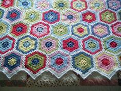 Betsy Makes ....: Magic Hexagon Blanket - part 2