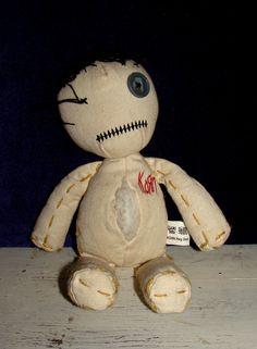 Google Image Result for http://planetvoodoo.com/voodoo-museum/images/hoodoo%2520doll,%2520corn%2520doll,%2520salem%2520poppet%2520027.JPG