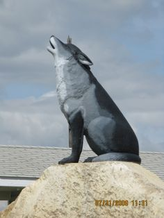 2009 - Spiritwood, SK - the howling wolf symbolizes wilderness The Howling, Wolf Howling, Western Signs, Saskatchewan Canada, Roadside Attractions, Capital City, Wilderness, Alaska, Westerns
