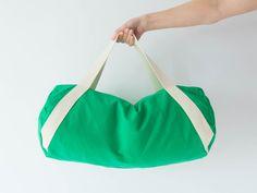 Nähpaket Sporttasche Duffle Bag - Grasgrün von DIY Sewing Academy auf DaWanda.com