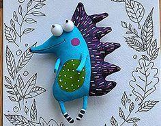 """Check out new work on my portfolio: """"cheerful hedgehog""""… Muñeca Diy, Handmade Stuffed Animals, Fabric Animals, Sewing Dolls, Cute Toys, Felt Toys, Soft Dolls, Soft Sculpture, Fabric Dolls"""
