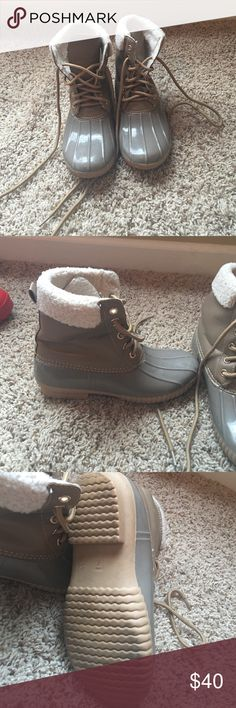 Like bean boots Good for rain, cold or fall. Boots from shop hopes boutique. Have been worn but are in great condition Shoes Winter & Rain Boots