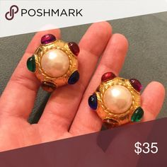 """Vintage Multicolored Gripoix Faux Pearl Earrings Approx 1"""" round, excellent vintage condition, clipbacks Vintage Jewelry Earrings"""