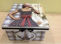 decoupage a vintage pattern photo on top of box Decoupage Box, Decoupage Vintage, Decorative Accessories, Decorative Boxes, Altered Cigar Boxes, Shabby Chic Crafts, Tea Box, Pretty Box, Painted Boxes