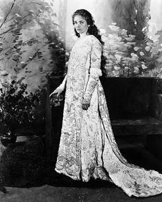 Maude Adams 1872-1953.