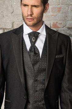 m100-luxusny-pansky-oblek-svadobny-salon-valery