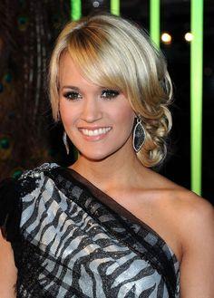 Prom Hairstyles: Carrie Underwood Elegant Blonde Updo With Side Bangs | Hairstyles Weekly