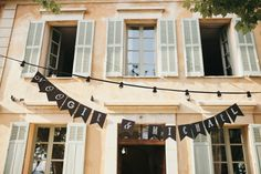 Personalised bunting | Photography by http://www.sebastienboudot.co/