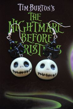 Nightmare before Christmas Add strings of autumn beads! Polymer Clay Halloween, Polymer Clay Art, Polymer Clay Jewelry, Halloween Jewelry, Halloween Crafts, Halloween Decorations, Diy Clay, Clay Crafts, Diy And Crafts