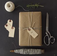 giving: a gift guide series for minimalists. – Reading My Tea Leaves – Slow, simple, sustainable living. Creative Gift Wrapping, Creative Gifts, Wrapping Ideas, Reading My Tea Leaves, Sustainable Gifts, Sustainable Living, Minimalist Christmas, Christmas On A Budget, Ideias Diy