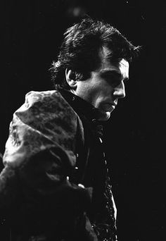 Daniel Day-Lewis as Hamlet at the National Theatre, March 1989 Shakespeare Characters, Shakespeare Plays, Hot British Men, Daniel Day, Day Lewis, Music Theater, National Theatre, Star Wars, Jim Morrison