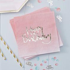 20 st. lyxiga guldfolierade servetter i rosaskimrande färg. Servetterna är 3 lagers, ca 33 x 33 cm.