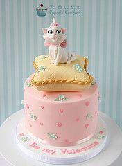 Aristocats Valentine's Cake   Flickr - Photo Sharing!