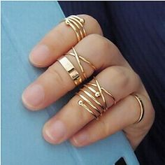 Fancy alloy set of 6 midi gold rings at $3.99