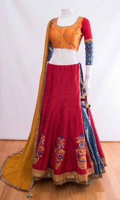 Chaniya choli 2018 Buy online beautiful designer collection -ghaghra choli navratri collection at best prices at RAAS THE GLOBAL DESI . Choli Blouse Design, Choli Designs, Lehenga Designs, Blouse Designs, Garba Chaniya Choli, Garba Dress, Ethnic Outfits, Indian Outfits, Indian Clothes